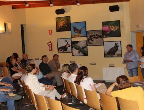 Empresarios y asociaciones conocen el proyecto Moveletur en la primera jornada del tour eléctrico en la provincia de Ávila
