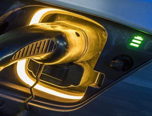 El Ivace concede ayudas de 5.500 € para la adquisición de vehículos eléctricos y de 2.600 euros para los híbridos enchufables